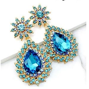 Jewelry - Turquoise Crystal Event Earrings